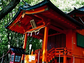 Famous shrines and temples in Hakone